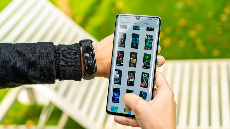 AndroidPIT Xiaomi Mi Band 4 chỉ 10