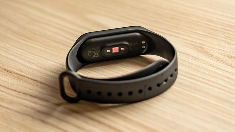AndroidPIT Xiaomi Mi Band 4 mới 14