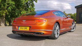 Bentley Continental GT: sang trọng, tiện nghi, điều kiện, yên tĩnh 7