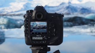 Преглед на Nikon D6