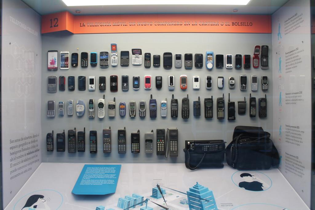 Katso puhelinhistoria Chilessä (katsaus) 16