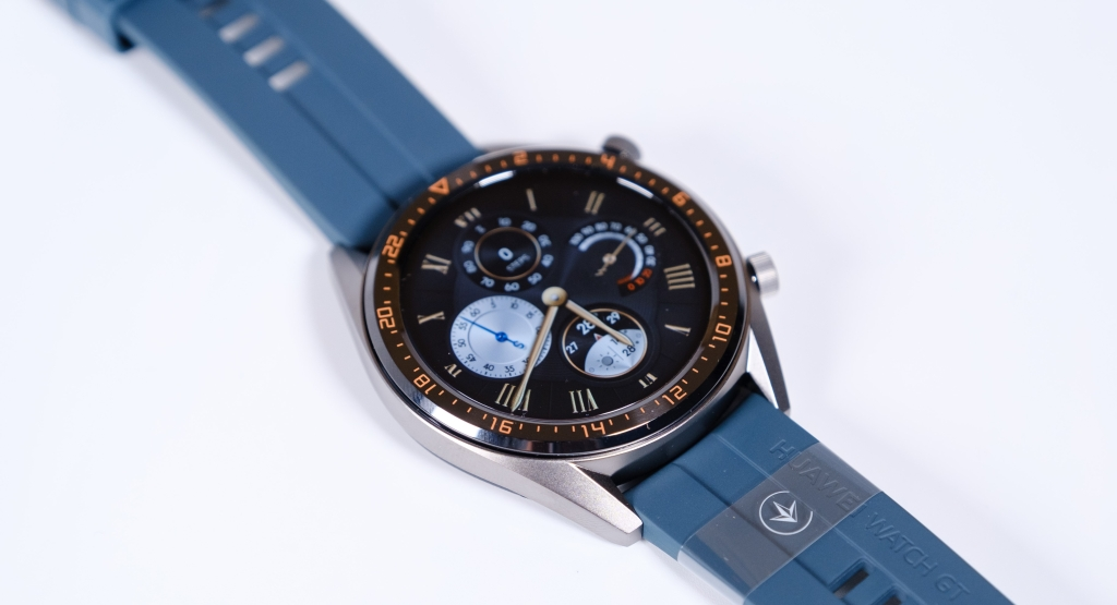 Huawei Watch GT-nin yaxınlaşması