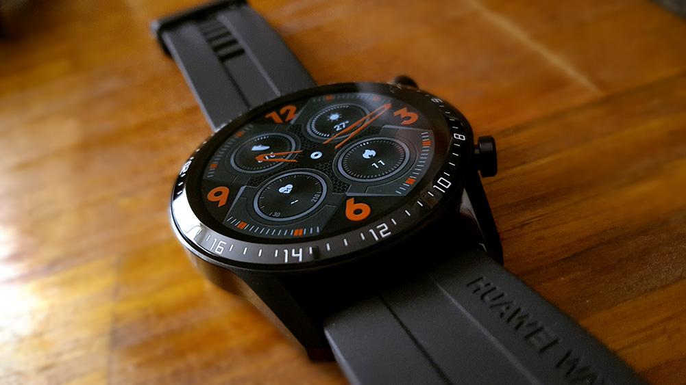 Detail jam tangan GT 2