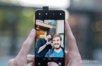 Oneplus 7 Pro bir selfie alır