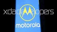 """Фотографија од сигурен извор што треба да прикаже нов паметен телефон од """"Моторола""""."""