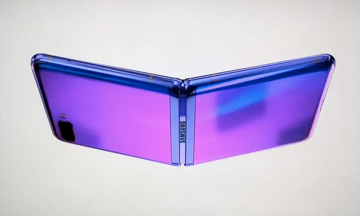 Tampilan Pertama Anda di Smartphone Lipat Baru Samsung 1