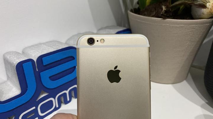 Imagen de un iPhone 6 con problemas de batería