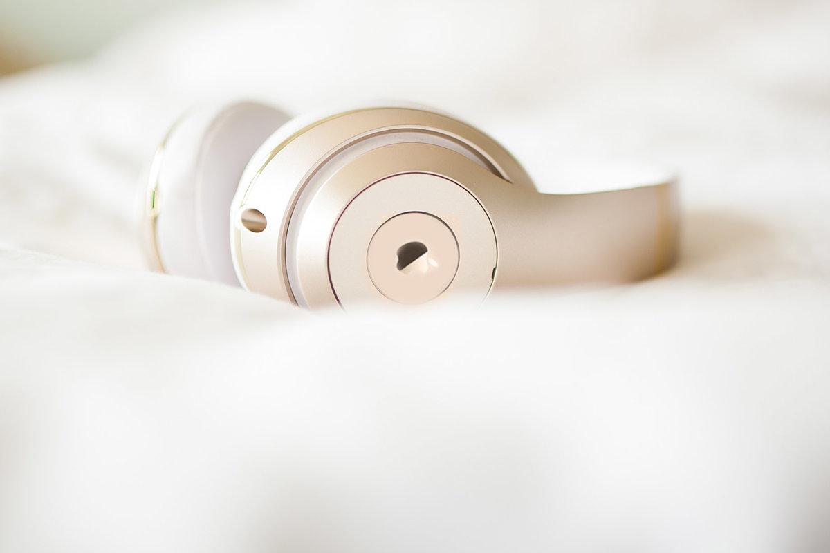 Apple chuẩn bị tai nghe với băng đô 2