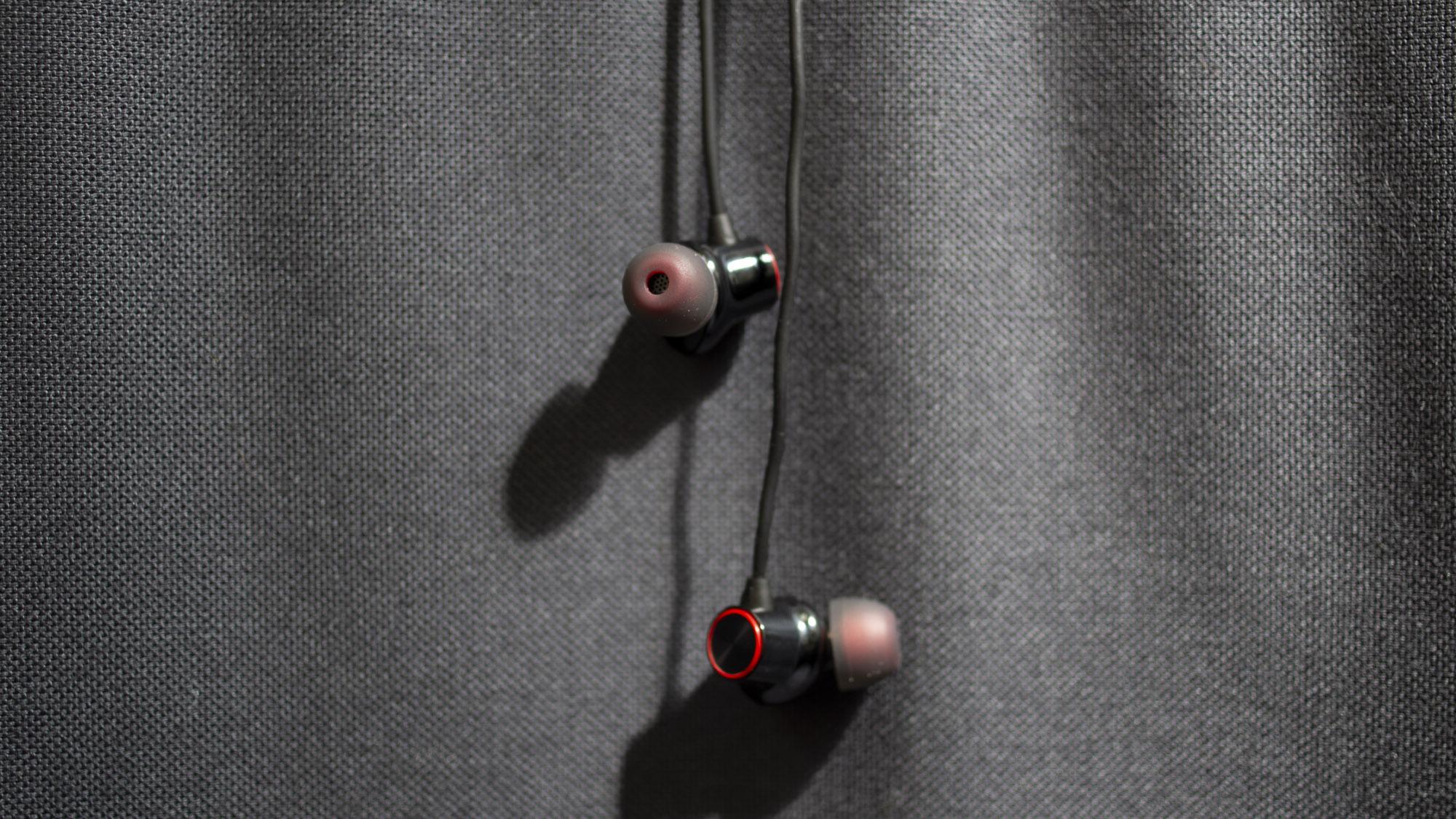 Đạn OnePlus không dây 2 đánh giá: giảm 43% cho tai nghe không dây fab của OnePlus