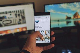 Spear Phishing Bảo vệ chính mình Bài đăng trên mạng xã hội