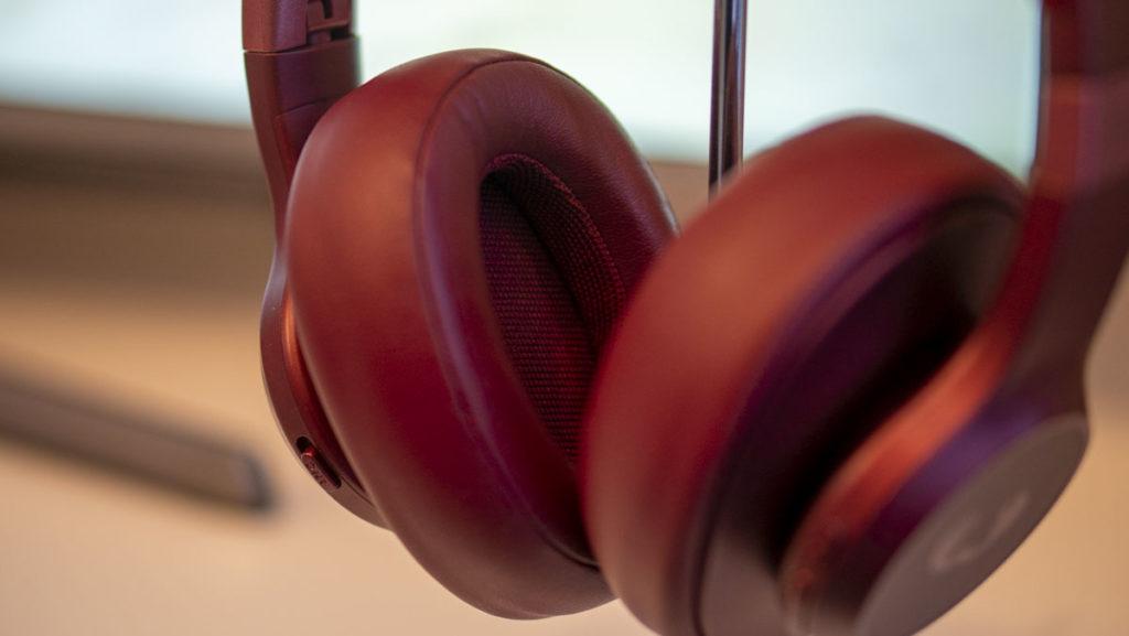 Tai nghe không dây trên tai 'Rebel Clam không dây
