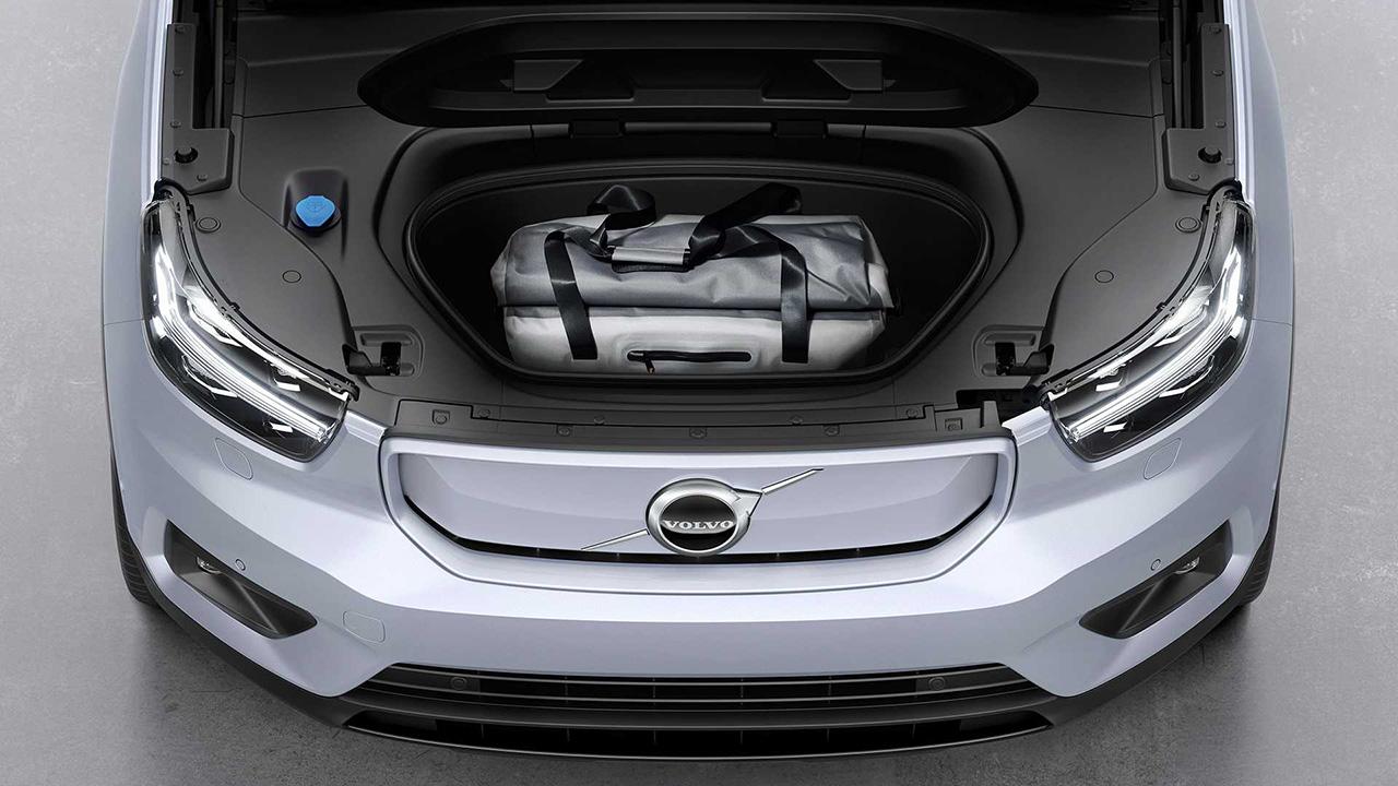 Volvo XC40 Nạp tiền, đơn đặt hàng trước cho xe khởi động 'thuần điện': ở Ý từ € 59,600 4
