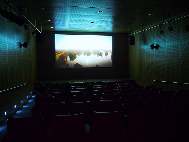 Rạp chiếu phim Nits