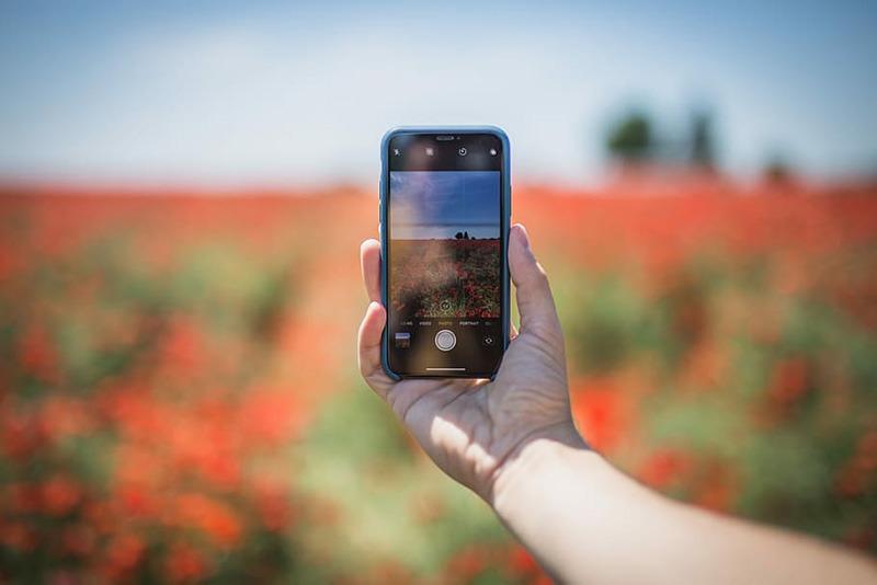 Màn hình điện thoại bên ngoài