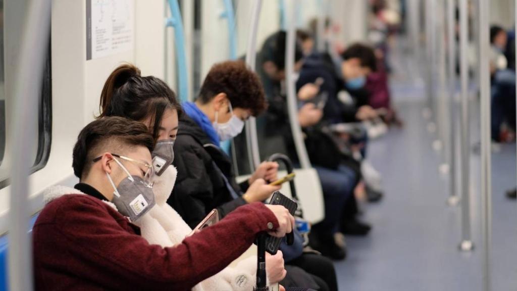 Virus mới gây sốt, ho, khó thở và khó thở, trong số những người khác