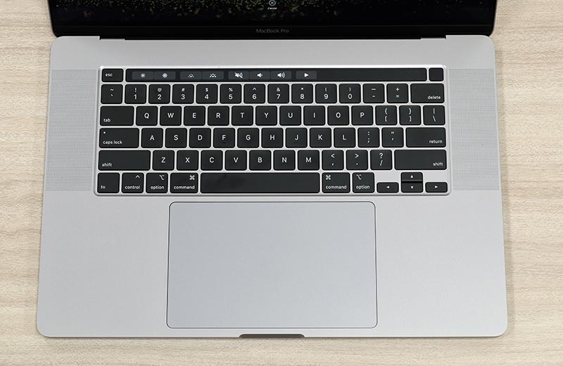 Apple  đã mang lại bàn phím chuyển đổi cắt kéo truyền thống cho MacBook Pro 16 inch.