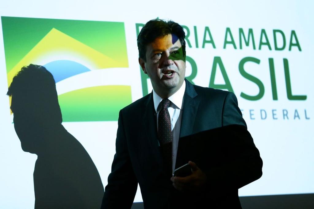Bộ trưởng Bộ Y tế, Luiz Henrique Mandetta, trong một cuộc họp báo để cập nhật bản tin về coronavirus mới của Trung Quốc