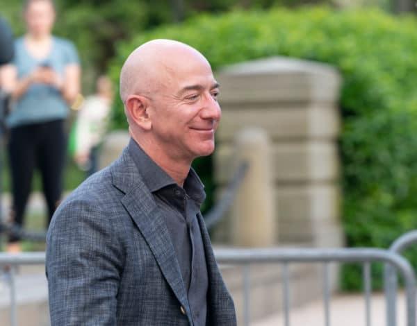 Facebook miễn tội cho mình trong cuộc xâm lược iPhone của Jeff Bezos do WhatsApp sản xuất 1