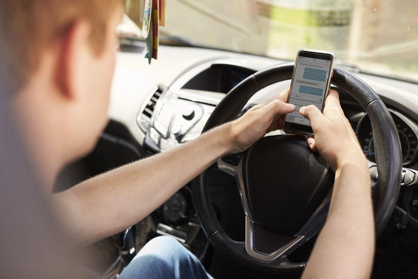 Luật lái xe điện thoại di động: lỗ hổng cho phép đóng phim 1