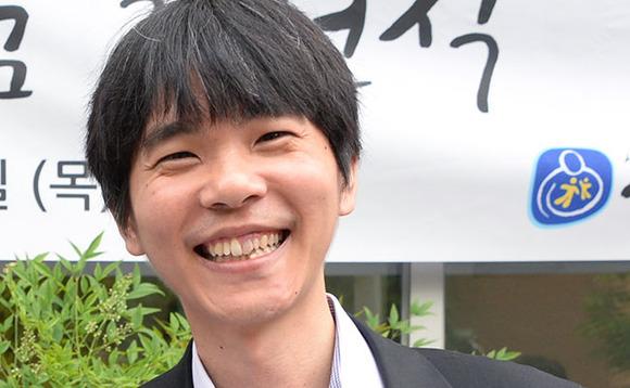 Người chơi Pro Go Lee De-Sol ném vào khăn nhờ sự thống trị của AI