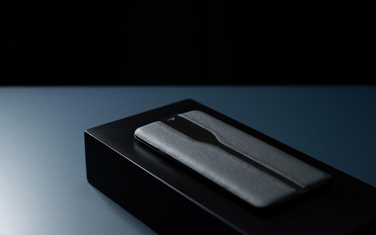 """OnePlus tiếp theo có thể được bọc bằng da, như Concept One, được hiển thị trong phiên bản """"tàng hình"""" (ảnh) 1"""
