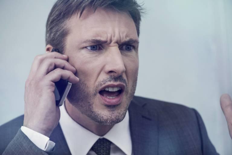 Rip off! : Kẻ lừa đảo chỉ chờ bạn nói từ NÀY trên điện thoại 2