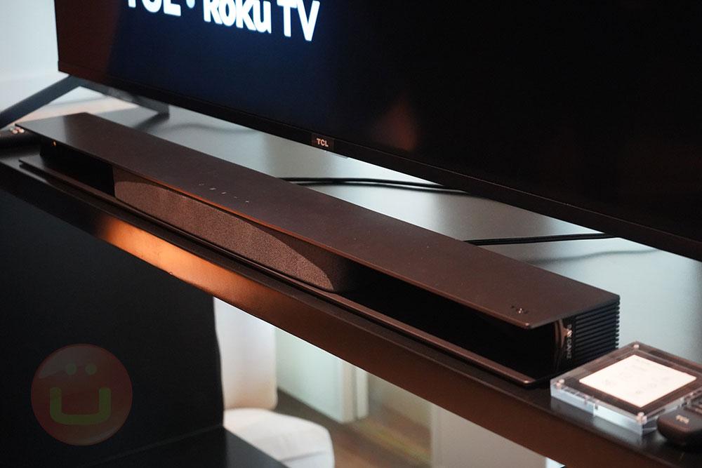 TCL từ Alto 9+ SoundBar đi kèm với tích hợp TV Roku đầy đủ