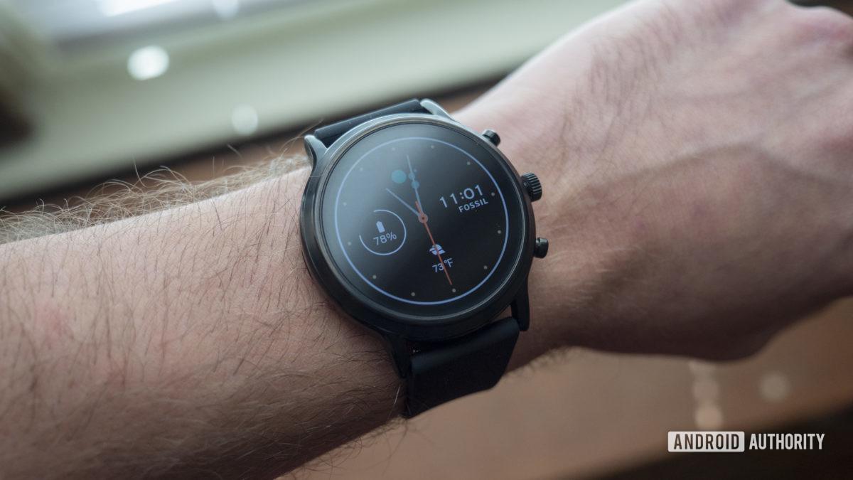gen hóa thạch 5 đánh giá smartwatch trên màn hình mặt đồng hồ đeo tay 4