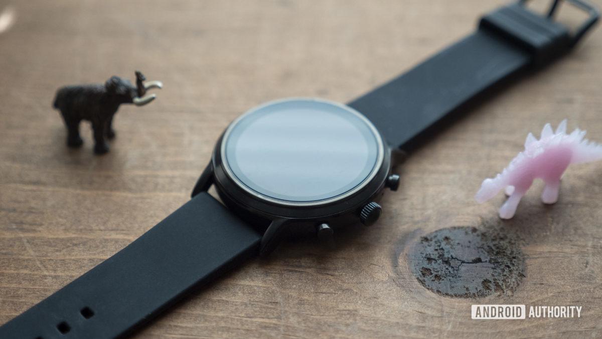 gen hóa thạch 5 smartwatch xem xét thiết kế trường hợp bezel bên