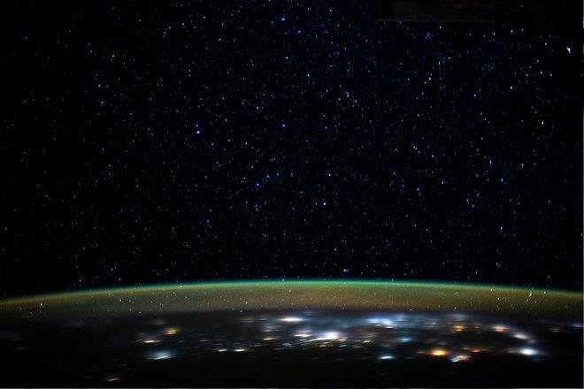 15 bức ảnh đáng kinh ngạc từ Trạm vũ trụ quốc tế 14