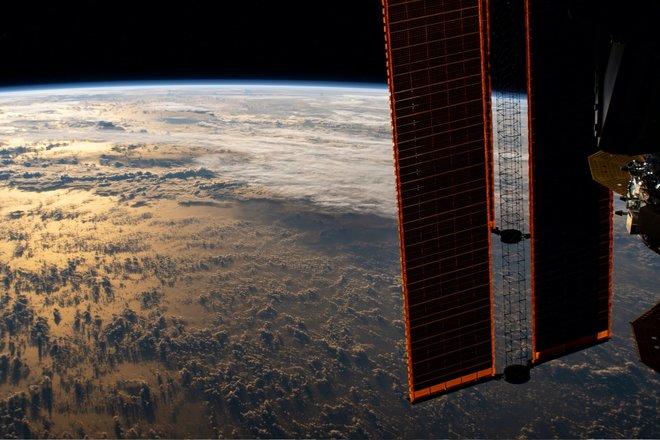 15 bức ảnh đáng kinh ngạc từ Trạm vũ trụ quốc tế 12