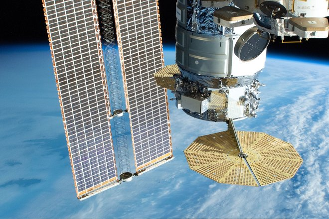 15 bức ảnh đáng kinh ngạc từ Trạm vũ trụ quốc tế 11