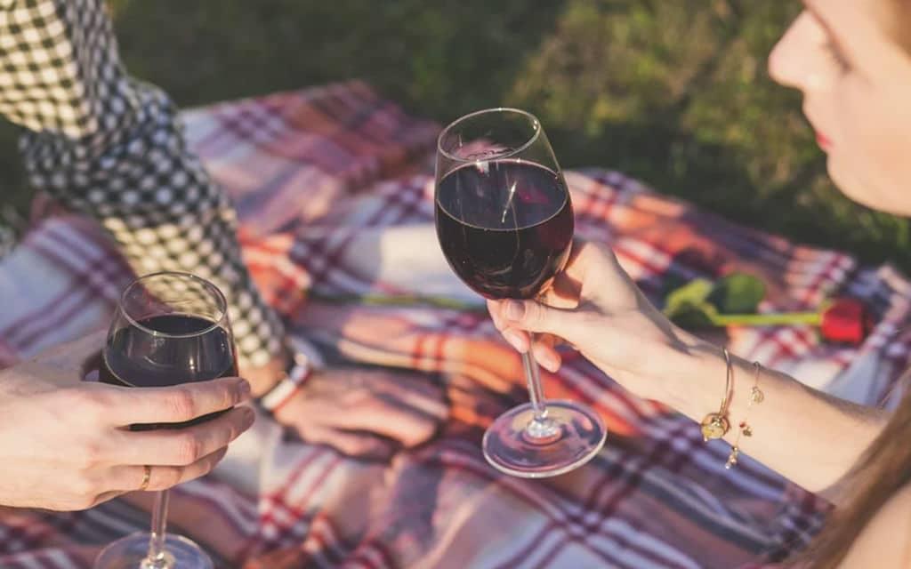 Alexa có thể cho bạn biết loại rượu nào sẽ phù hợp với bữa ăn của bạn, đây là cách 3
