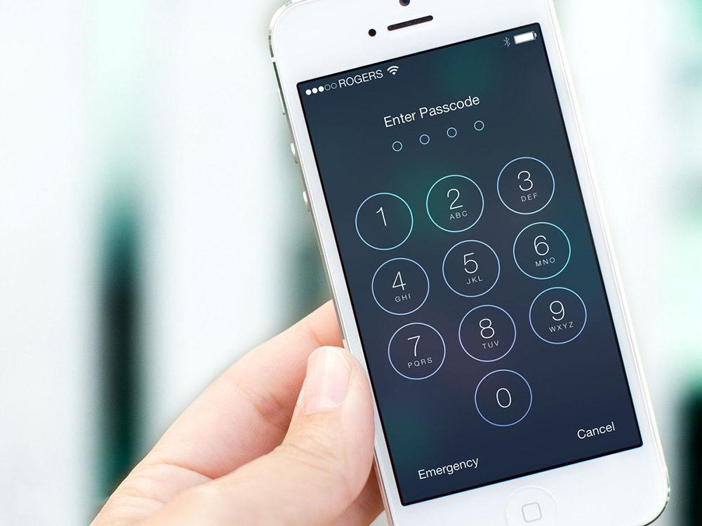 FBI cho biết ông vẫn không thể mở khóa iPhone của Penacola 2