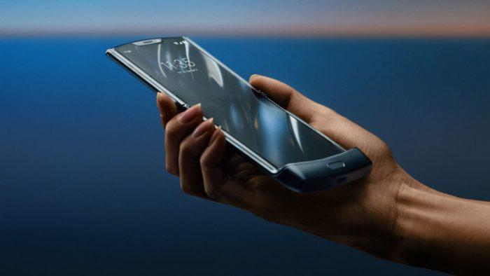 Motorola Razr: tách rời màn hình gần như là không thể 1