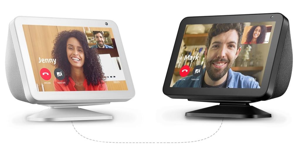 Cuộc gọi video được thực hiện giữa hai Echos