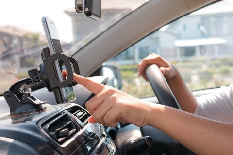 Cách ghép nối iPhone với xe hơi của bạn