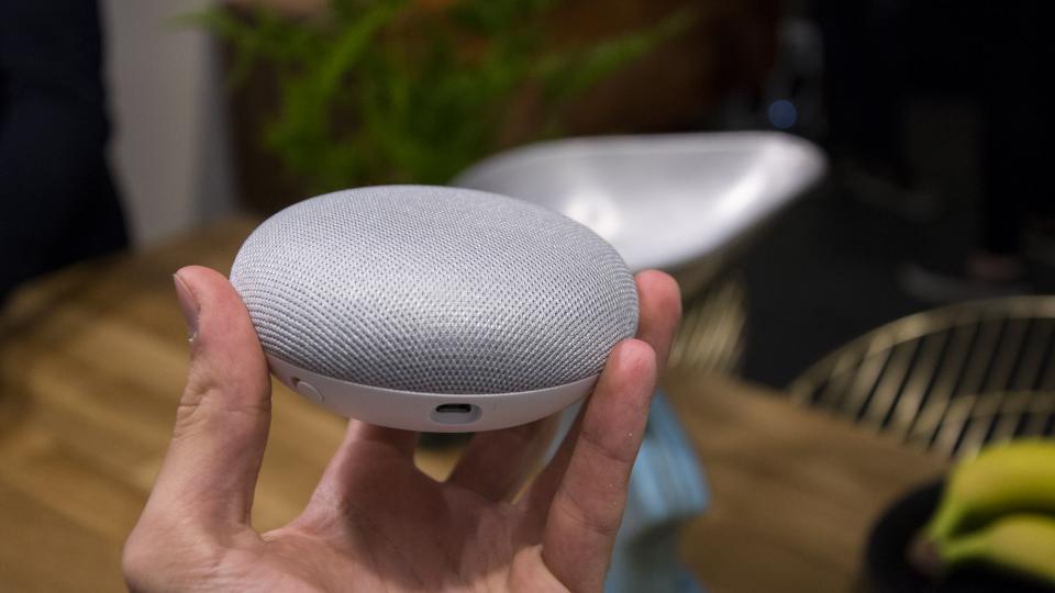 Google Home Mini hiện chỉ còn 22,18 bảng