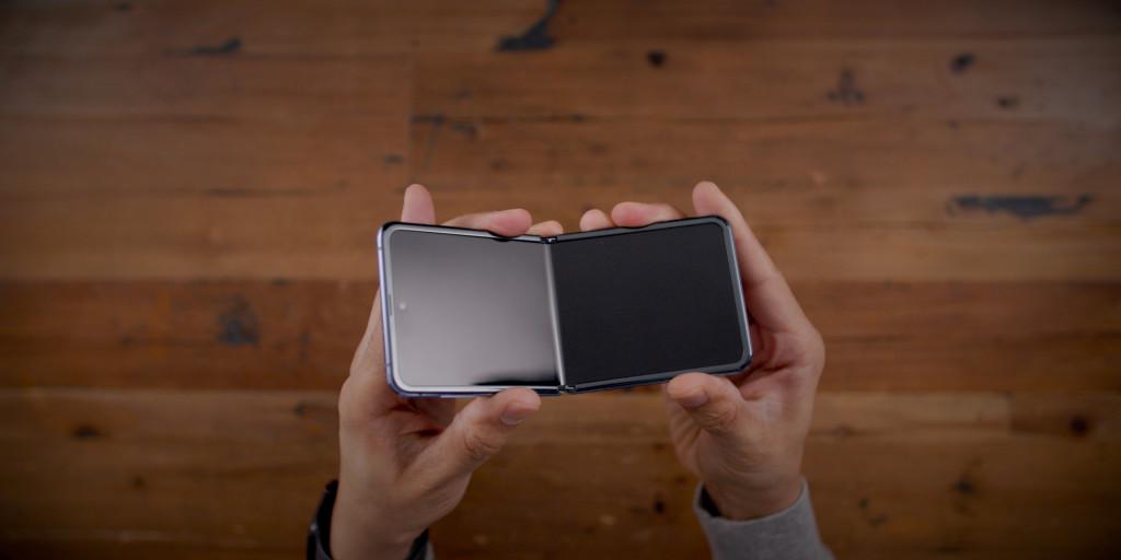Mặt kính siêu mỏng Samsung Glass của Z Flip sẽ sớm được sử dụng trong các nếp gấp khác
