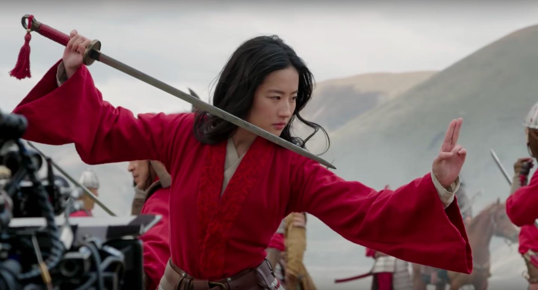 Nhà sản xuất Mulan thảo luận về tầm quan trọng của việc lấy giọng Trung Quốc 1
