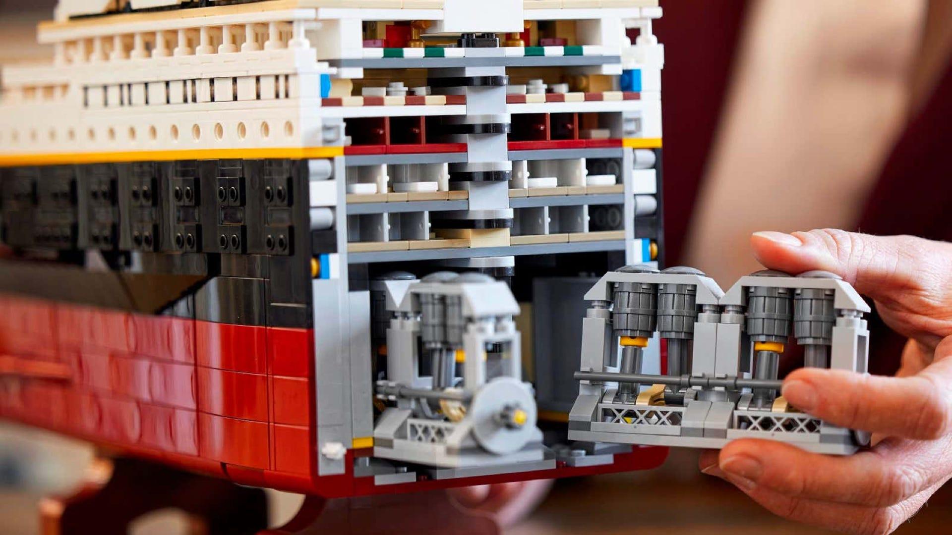 Phòng nồi hơi LEGO Titanic