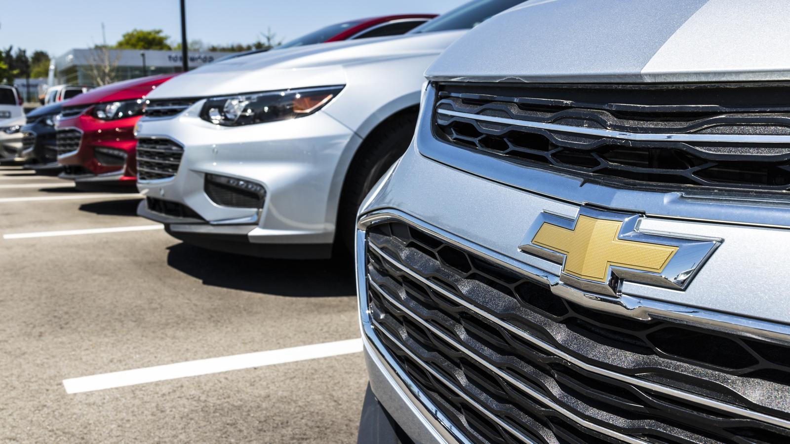 Đại lý ô tô Chevrolet.  Chevrolet là một Bộ phận của General Motors V